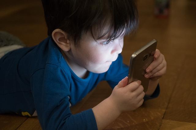 איך לנתק את הילדים מהמסך?